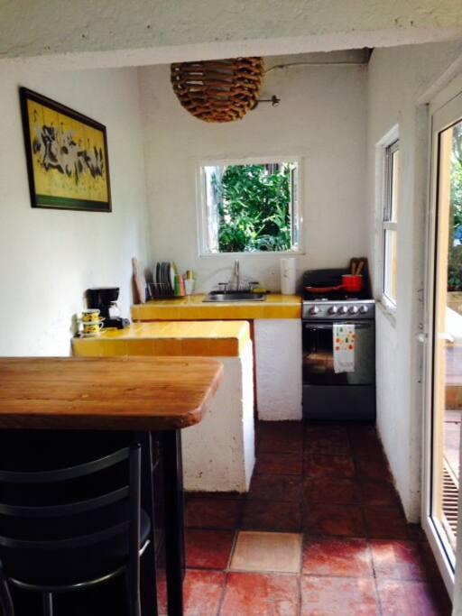 Kitchenette, coffee bar