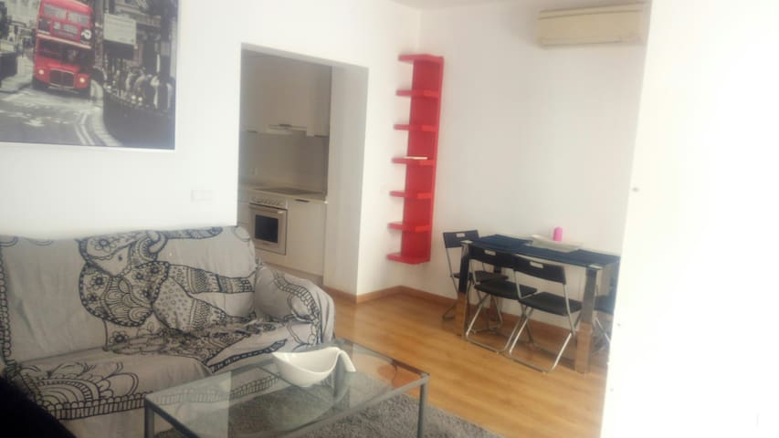 SINGLE ROOM, downtown Palma, Unique location!!