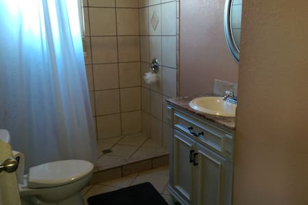 Room 7-Boulder Crescent Inn - Colorado Springs - Apartment