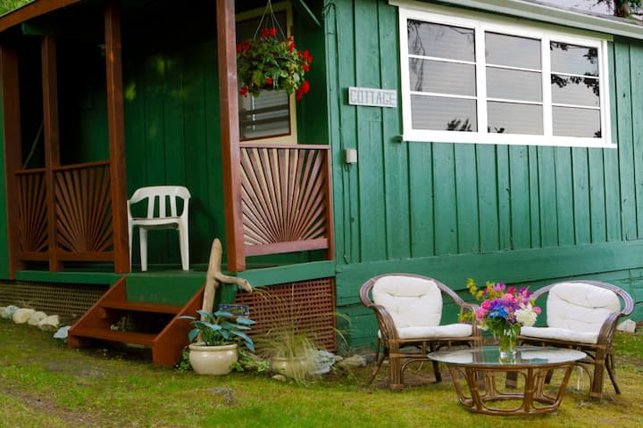 Beachwood Cottage