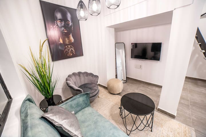 JI Tel Aviv Center - Gallery Apartment