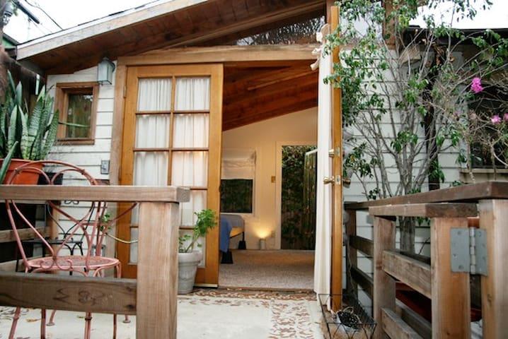 Venice Garden Studio Apt. & Bikes