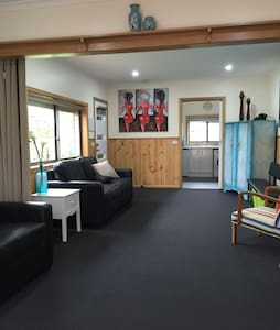 Private Detatched Studio Apartment - Highton
