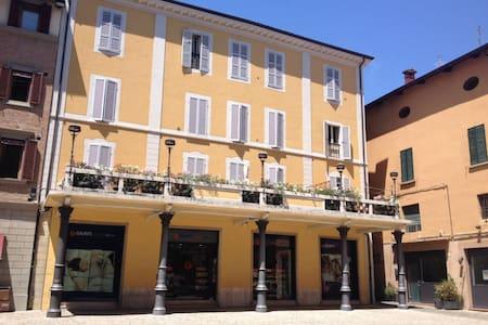Residence Rocchi bilocale con terrazza in Piazza - Imola