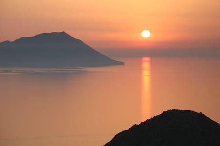 Amazing Sunset View Studio, Plaka! - Plaka, Milos