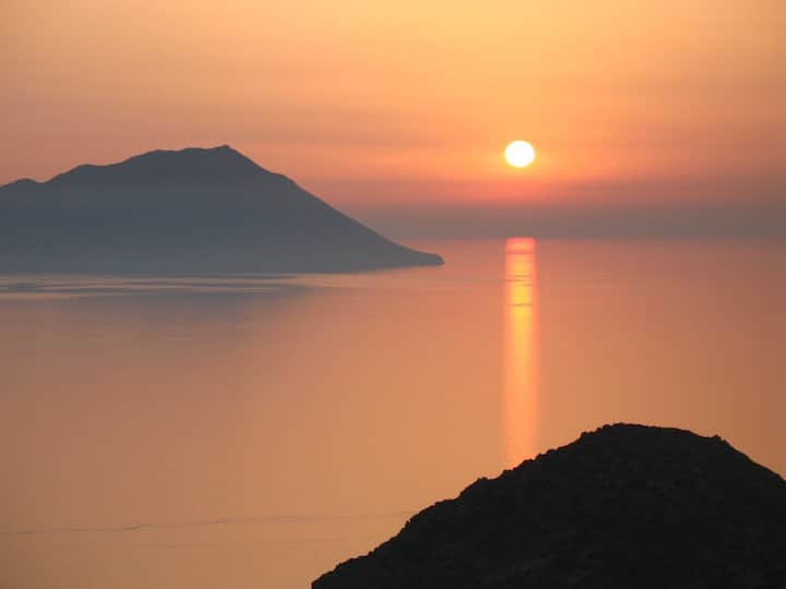 Amazing Sunset View Studio, Plaka!