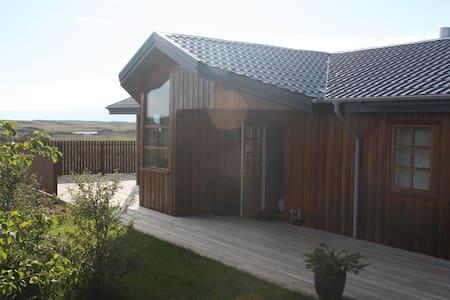 Beautiful home in West Iceland - Borgarnes - Σπίτι