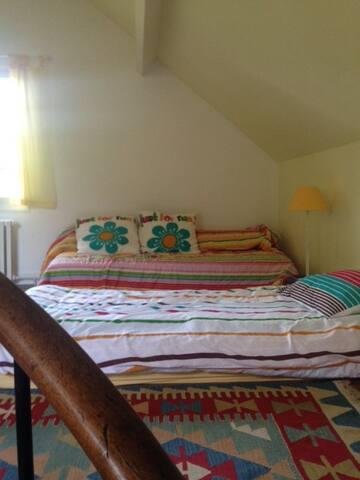 chambre 2, à l'étage