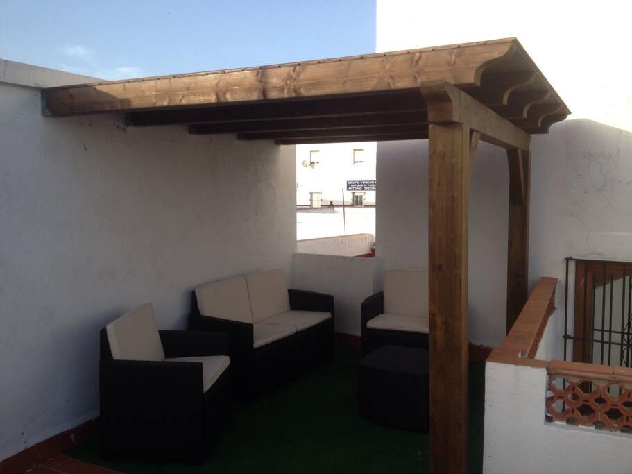 terraza con buenas vista y perfecta para hacer barbacoa