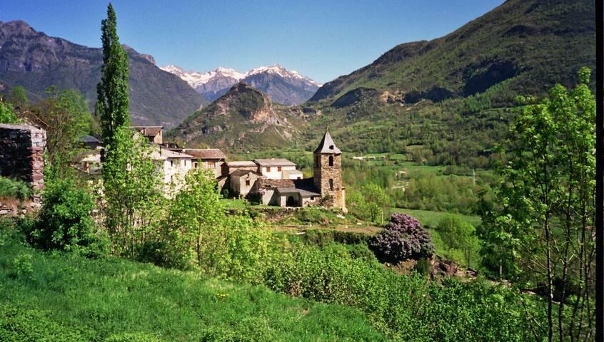 Casa adosada en Valle de Benasque - Villanova - Villanova - House