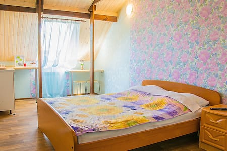 Уютная квартира-студия посуточно - Тольятти - Departamento