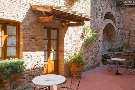 apartment 3 px San Gimignano WiFi free 7 - ซาน กิมิกนาโน่