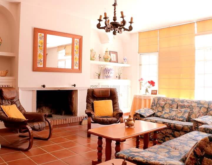 Espaciosa casa con jardín & terraza