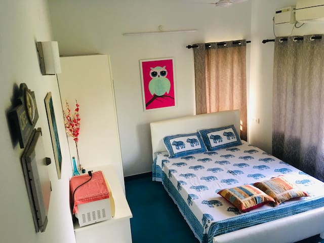 Cozy Bedroom near Auroville (BLUE PEPPER ROOM)