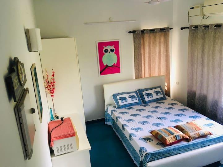 Cozy Bedroom near Auroville (BLUE PEPPER ROOM)