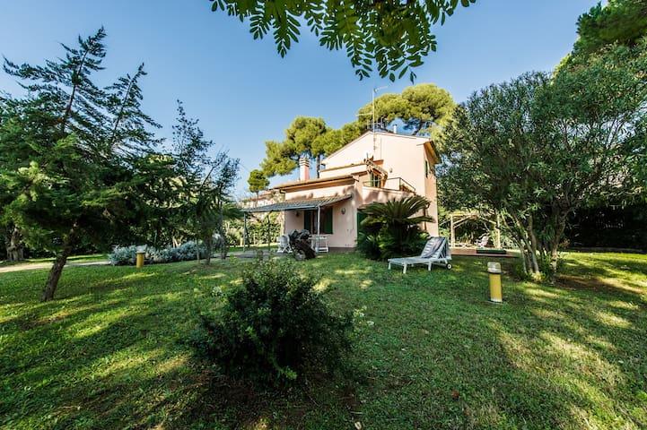Villa Dyna - Castiglioncello - Villa