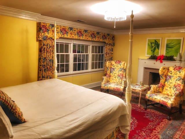 Maison Marcel - Greenbrier Room