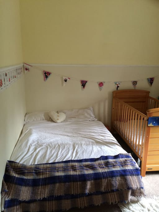Double bedroom (with or without cot)