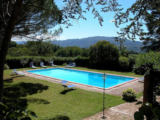 Restored Villa with large private pool with view - Vicchio - Villa