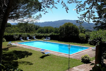 Restored Villa with large private pool with view - Vicchio