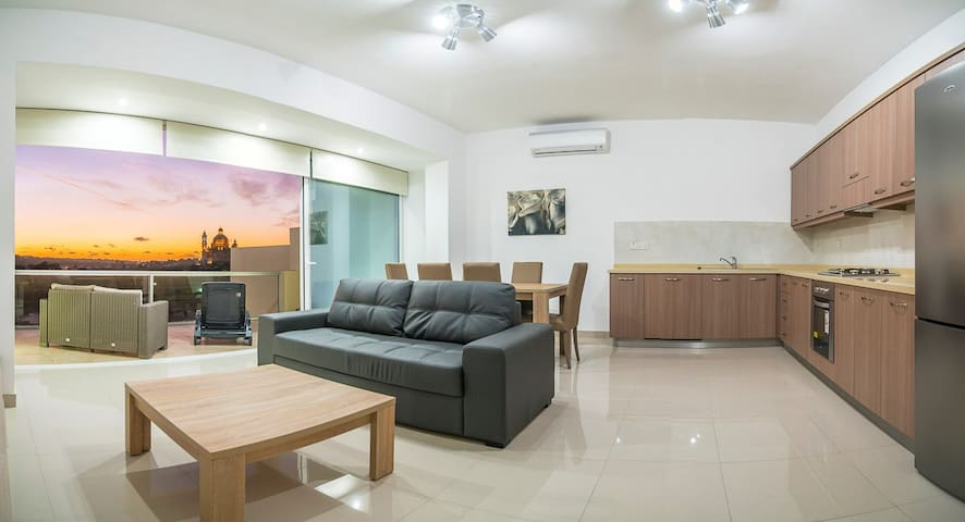 Three bedroomed apartment - Xewkija - Apartament