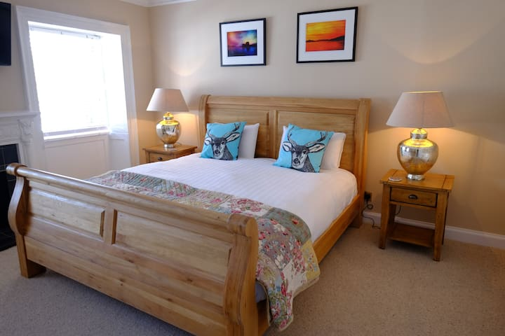 Standard King Room - B&B - Inveraray