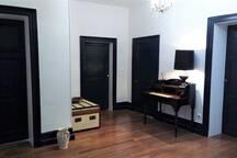 hall du 1er étage de la maison pour accéder aux chambres
