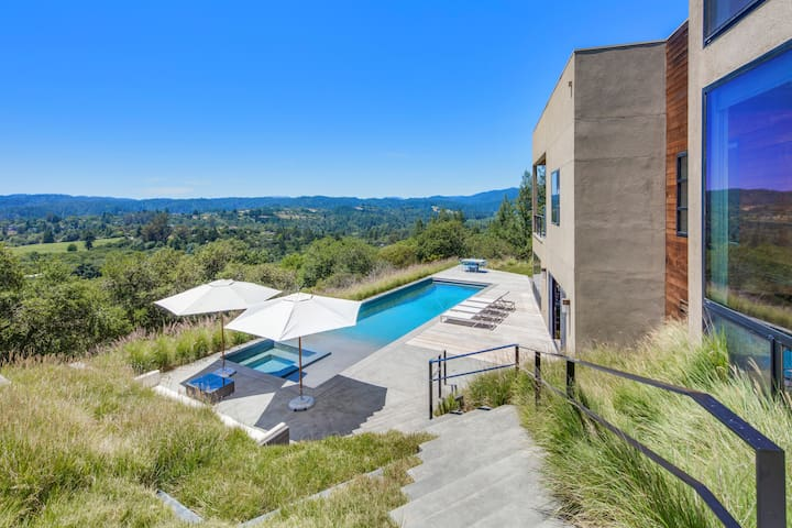 Modern Luxury Sonoma Hillside Estate with Pool