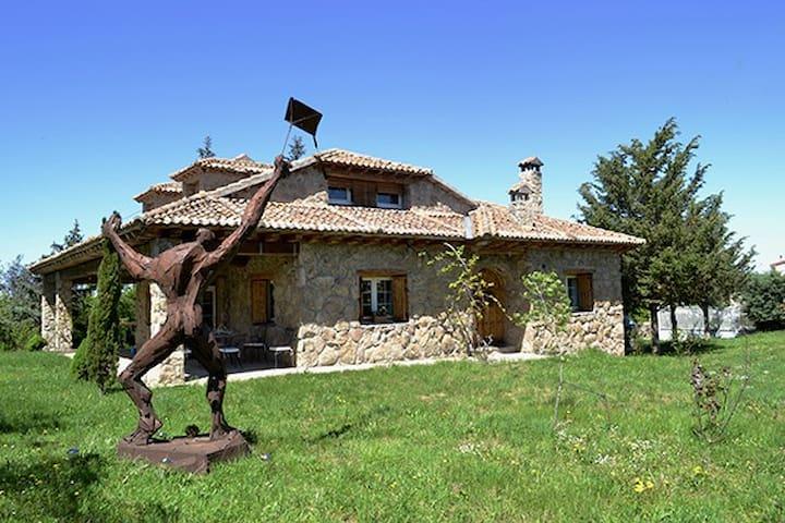 Casa junto a Somosierra, Segovia - Siguero