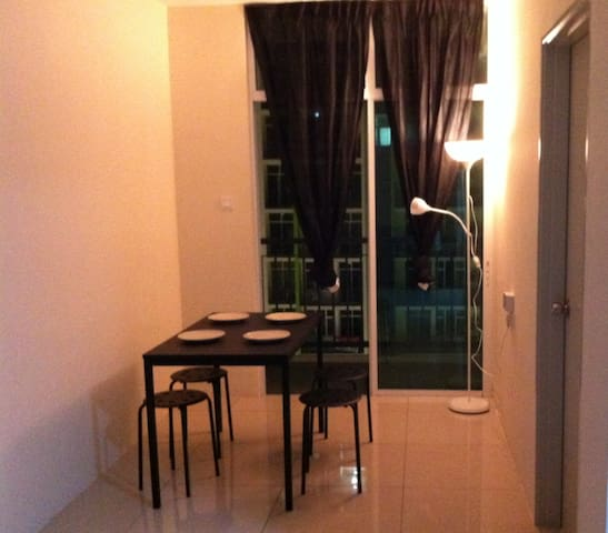 New Service Apartment near KLIA - Nilai - Kondominium