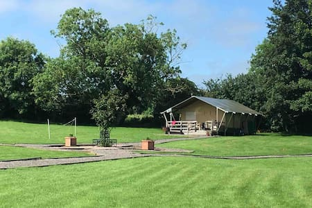 Willow View, Glamping Lodge, Lincolnshire Wolds