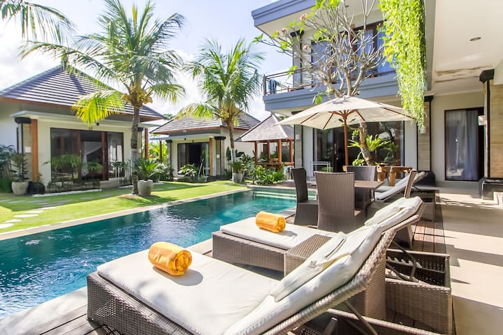 Comfortable Tranquil Accomodation in Center Canggu