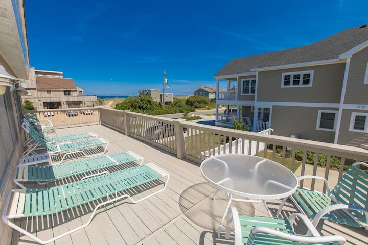 Going Coastal: Going Coastal Spacious 5 bedroom dog friendly home with panoramic ocean views