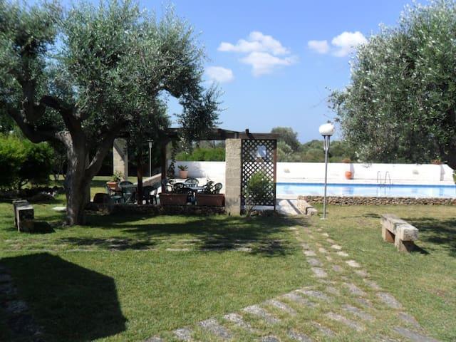 trilocale in residence con piscina
