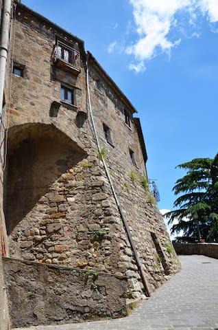 Pittoresca casa nel borgo - Sermugnano