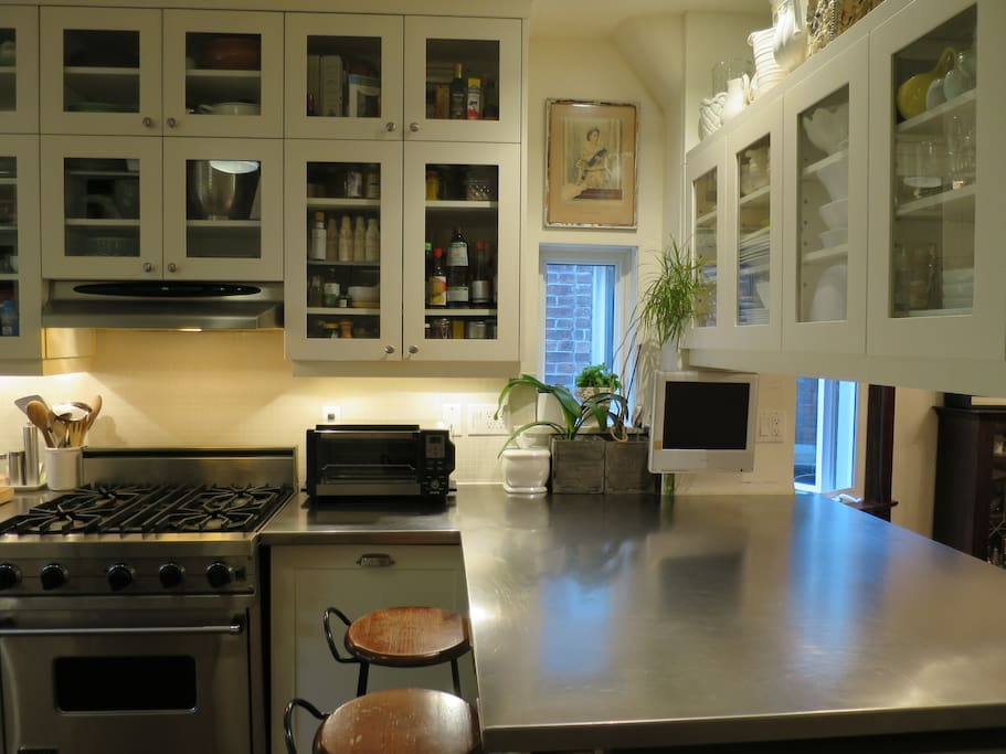 Chef's Stainless Kitchen with Viking Gas Stove & Oven