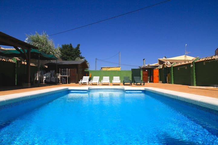 Gran casa con piscina privada - catral - House
