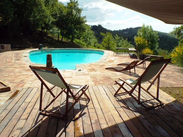 Studio in tuscan farmhouse + pool - Monteguidi - Hus
