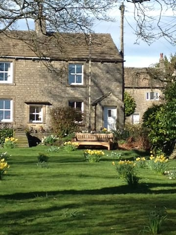 Cosy Cottage in the Yorkshire Dales - sleeps 3