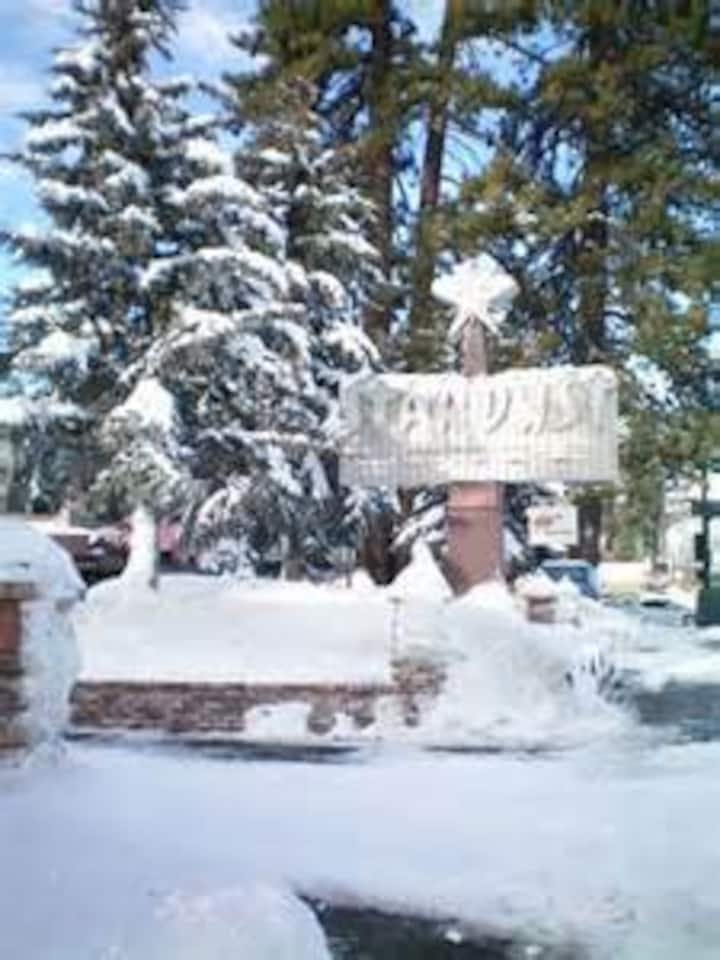 Great  1 Br South Tahoe Ski Lodge