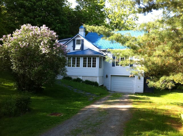 Nice Country House in North Hatley - North Hatley