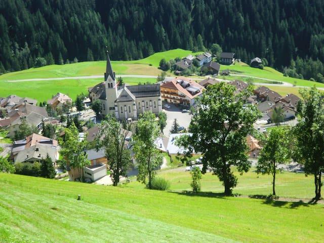 sonnig und Ausblick Dolomiten - La Valle - Apartment