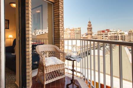 Sunny apartment in Ruzafa's Market - Valencia