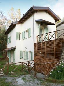 Monolocale e giardino sull'Appennino ToscoEmiliano - Anconella