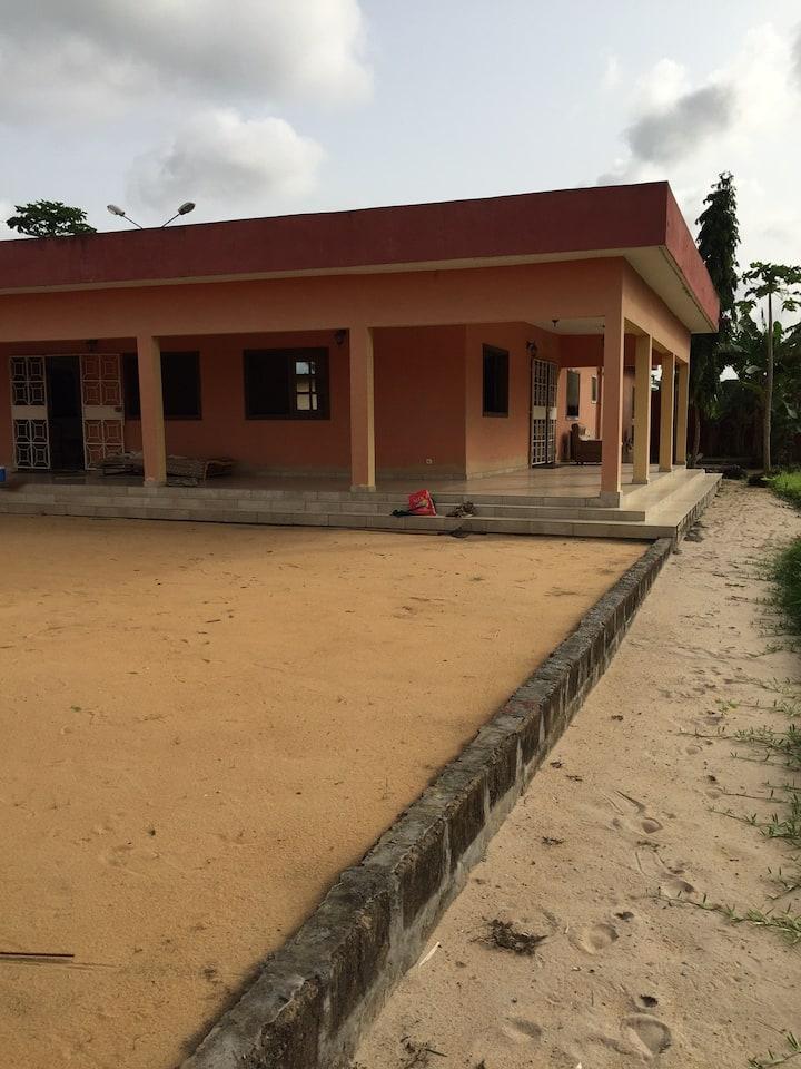 Superbe villa campagnarde à quelques km d'Abidjan.