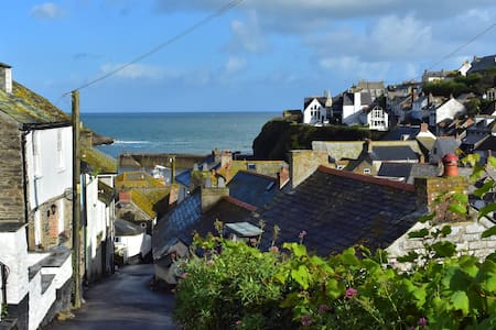 Salty sea air get away for 2 - Port Isaac