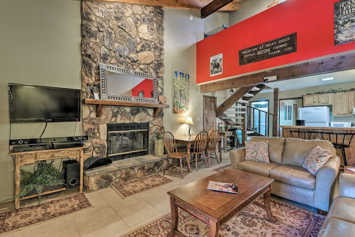 NEW! Condo w/Grill Access- Mins to Angel Fire Rsrt