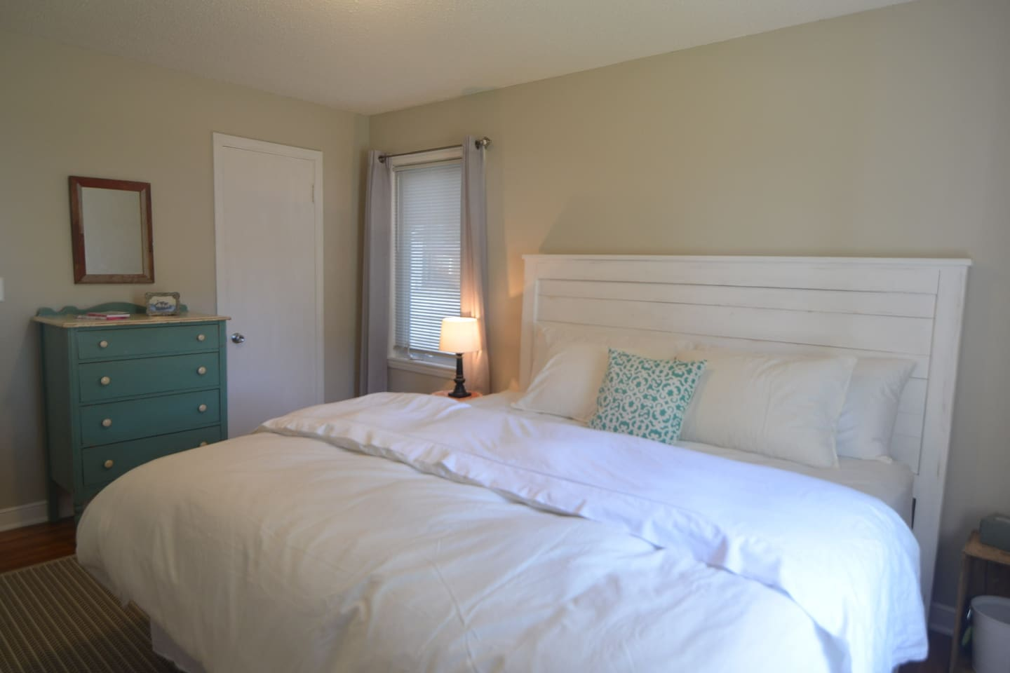 Pamper yourself with a king-sized bed, 100 percent cotton sheets, and a down comforter. The master bedroom has a walk-in closet and a dresser to make you feel right at home.