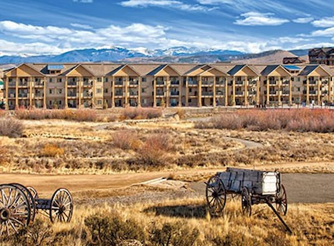 Mountain-CO-Granby Resort 2 Bdrm Deluxe Queen