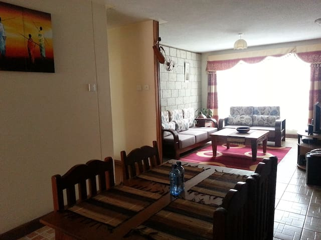 Exquisite Two Bed Apartment near Yaya Centre